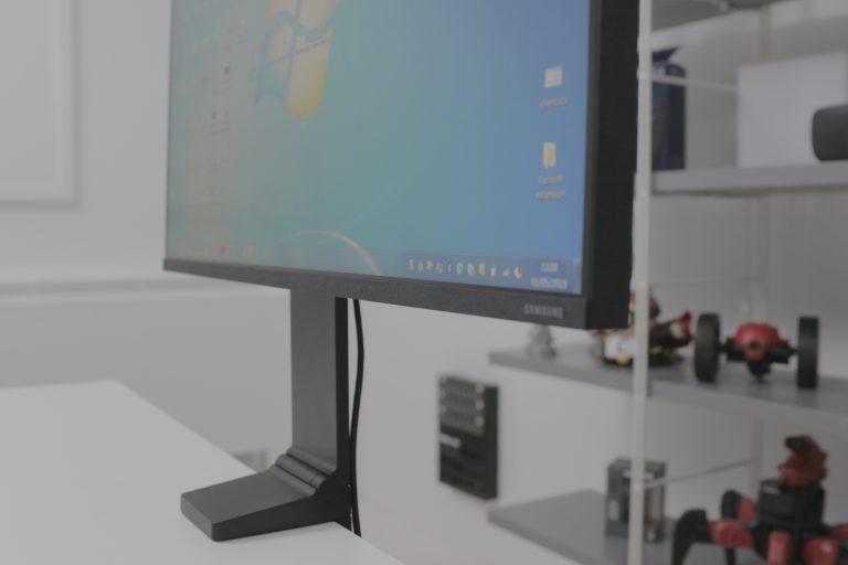 Space Monitor Samsung S32R750U